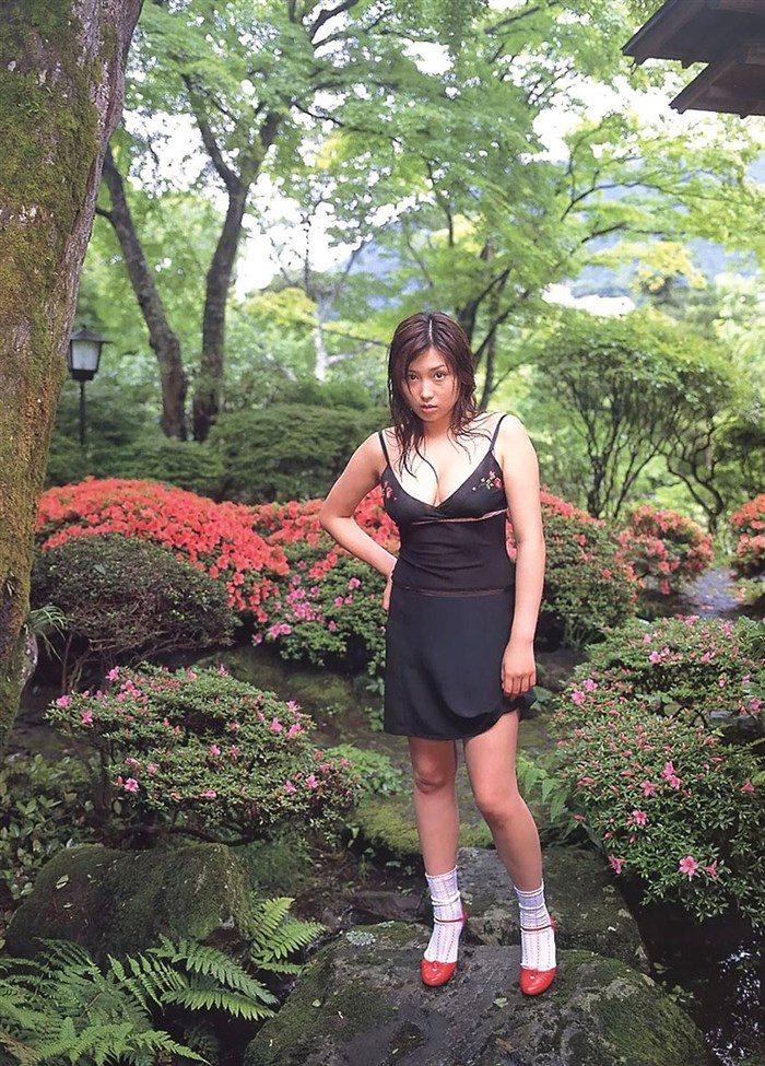 【画像】三津谷葉子 週刊ポストの写真集で生乳首を晒すwwwwww0015manshu