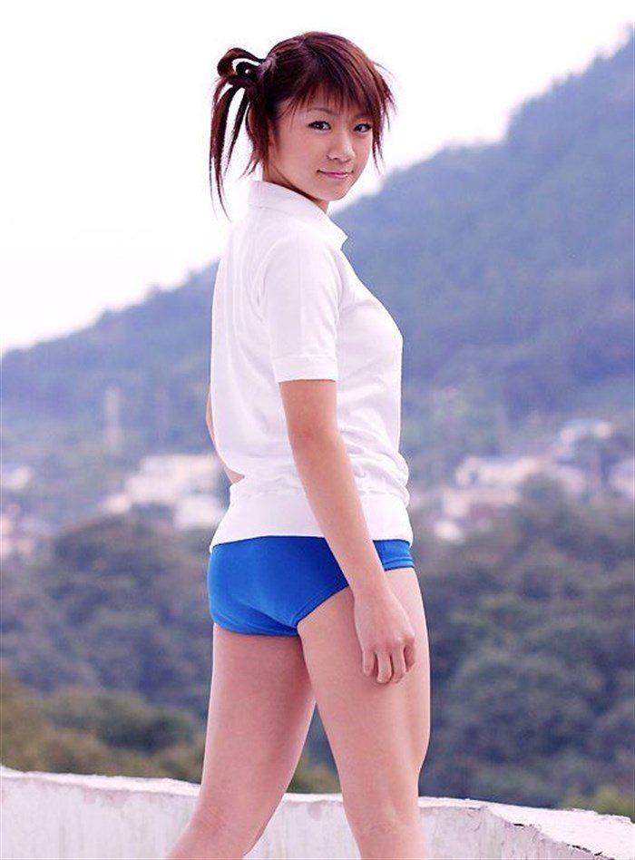 【画像】JK制服姿の時東ぁみ、スカートが短すぎて下尻が見えてますwwwww0016mashu