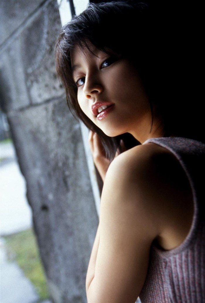 【画像】堀北真希ちゃんのセクシーなお宝グラビアを無料で堪能!これは即おっきですわwwww0129manshu