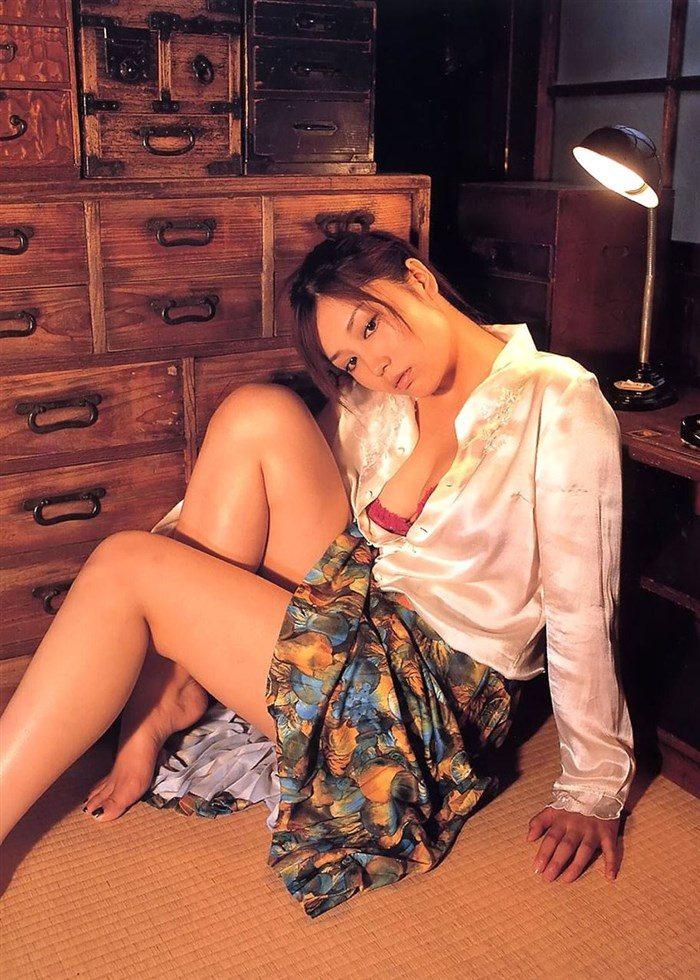 【画像】三津谷葉子 週刊ポストの写真集で生乳首を晒すwwwwww0035manshu