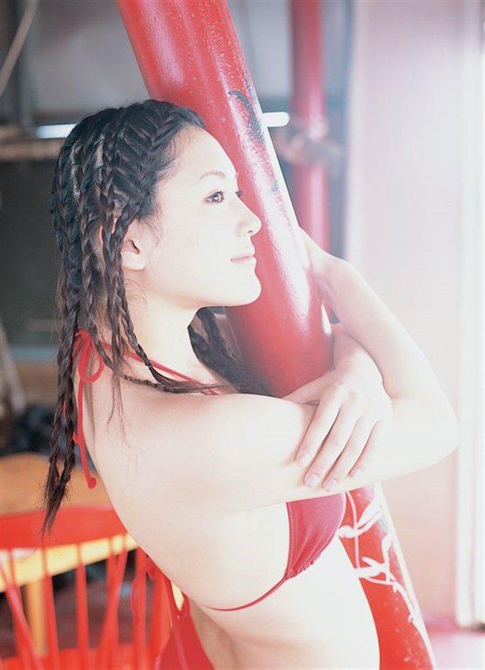 【画像】綾瀬はるかとかいう元グラドルのFカップ乳がさく裂する写真集まとめ!0051manshu