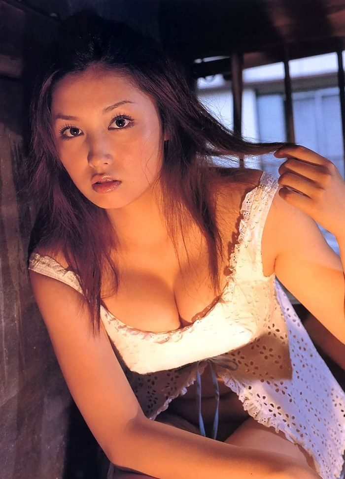【画像】三津谷葉子 週刊ポストの写真集で生乳首を晒すwwwwww0043manshu