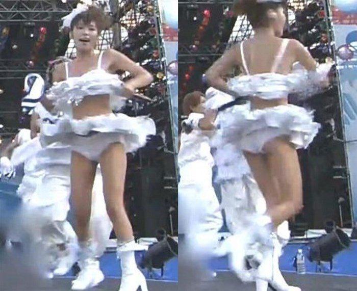 【画像】AAA宇野実彩子さん、乳首ポロリに気づかず熱唱!お宝画像スレ!0030manshu