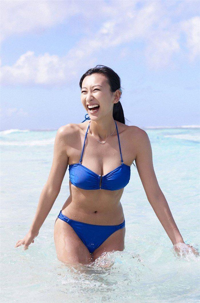 【画像】浅田舞さんが自慢のEカップおっぱいを振り乱す噂の写真集wwww0027manshu