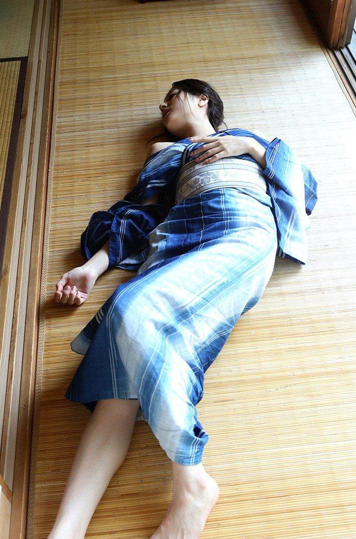 【画像】杉本有美の温泉旅館グラビア!悩殺下着姿や手ぶらヌードも!!0039mashu