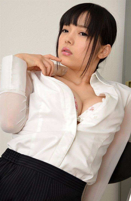 【画像】赤根京 OL制服の淫乱女が仕事中に発情するとこうなりますwww0029manshu