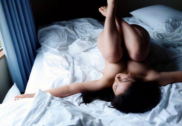 【画像】紗綾の全裸ヌード!ガチでエロい事になっとるがなwwwwwwwww0016manshu