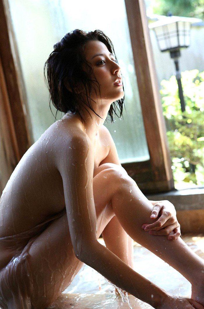 【画像】杉本有美の温泉旅館グラビア!悩殺下着姿や手ぶらヌードも!!0062mashu