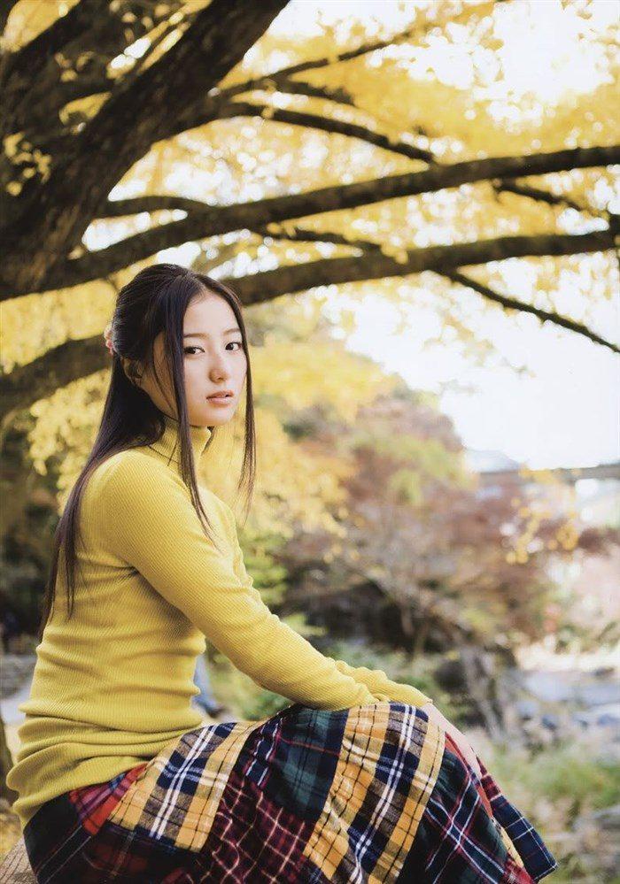 【画像】高田里穂ちゃんの小振りなお椀型おっぱいを小さめ水着で晒すwww0040manshu