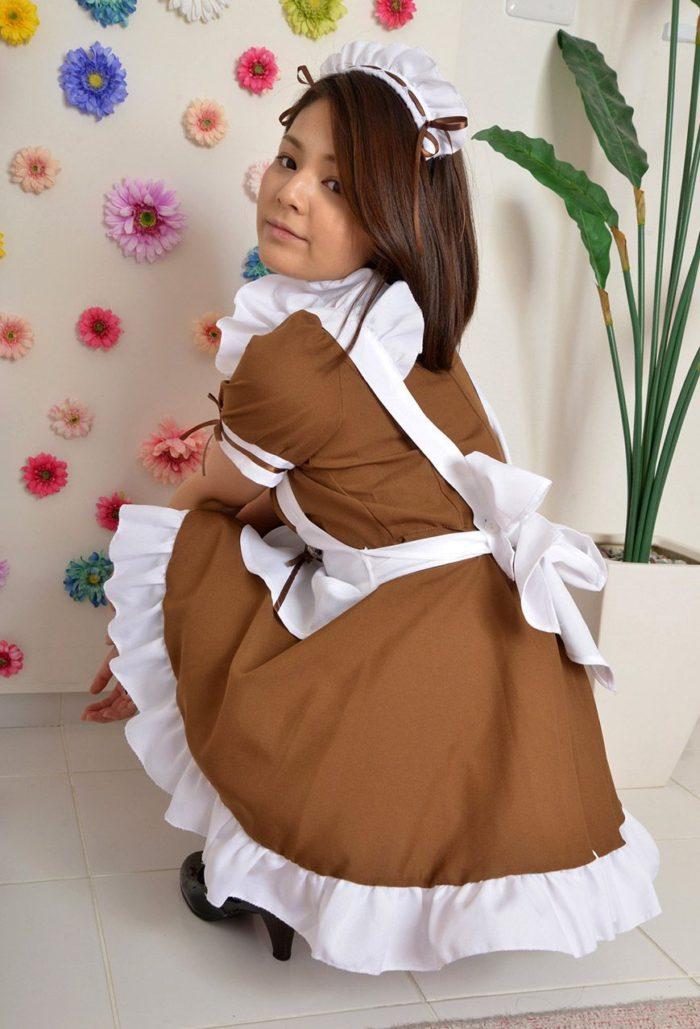 【画像】メイド姿の秋本翼 白パンティのぷっくりしたクロッチ丸出しwwwwww0008manshu