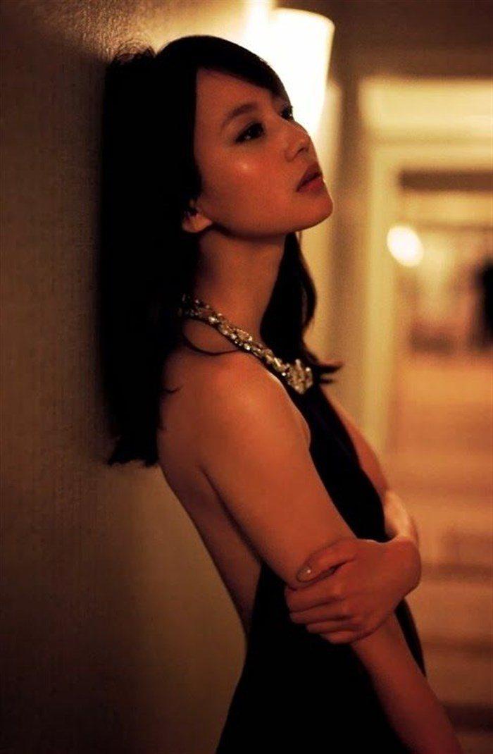 【画像】堀北真希ちゃんのセクシーなお宝グラビアを無料で堪能!これは即おっきですわwwww0050manshu