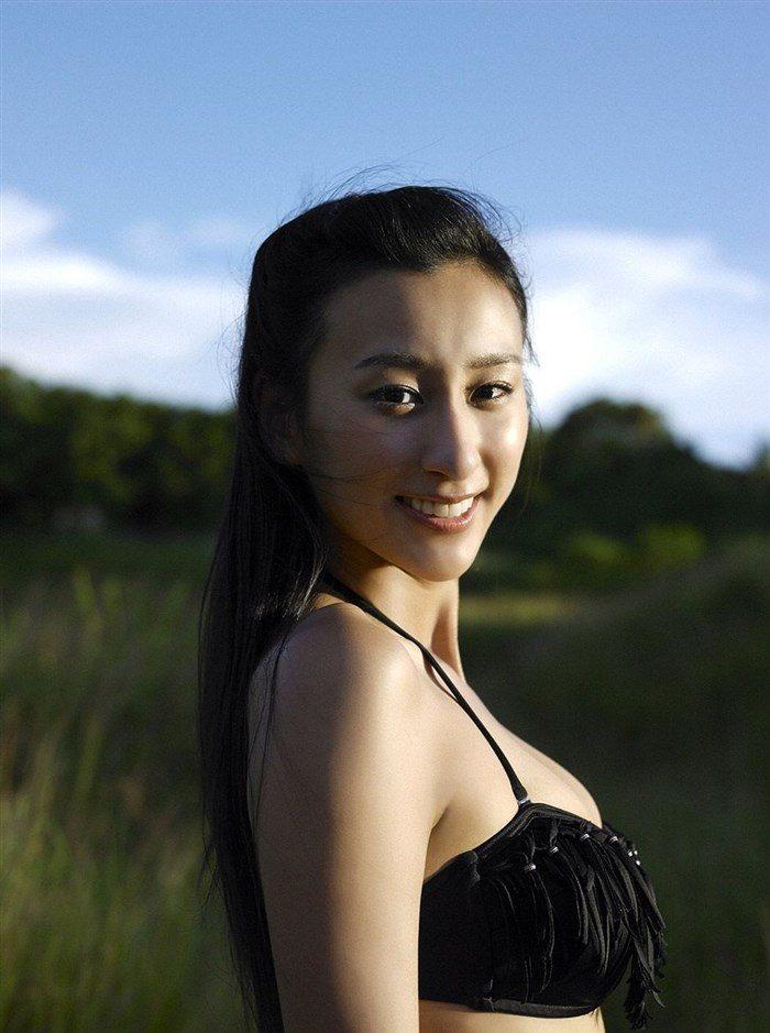 【画像】浅田舞さんが自慢のEカップおっぱいを振り乱す噂の写真集wwww0018manshu