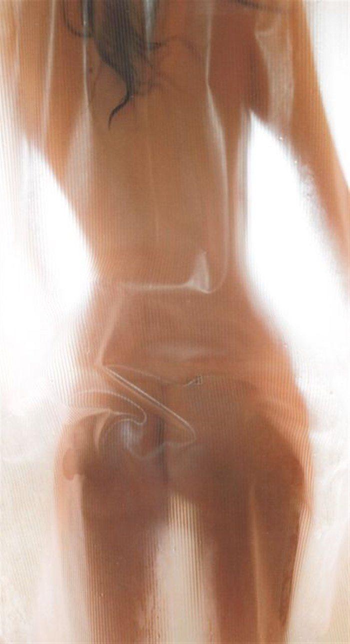【画像】マギーちゃんの生尻!上から下まで全ての割れ目を晒してますwwwww0040manshu