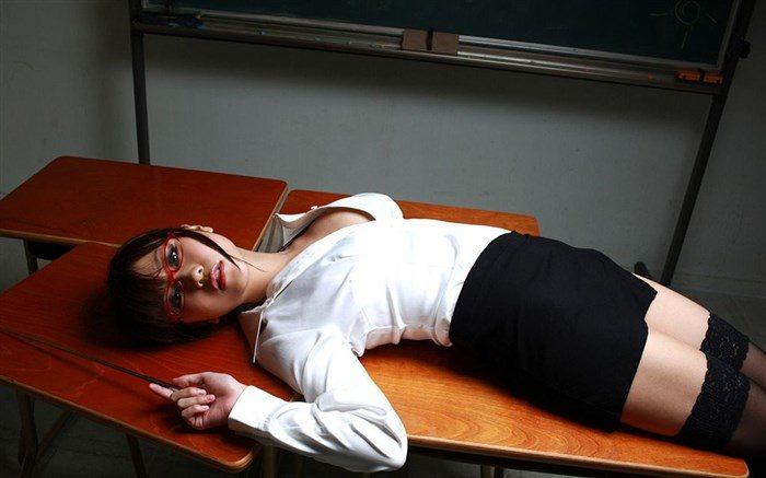 【画像】西田麻衣の妄想膨らむJKや女教師コスプレ!教室内がイケナイ雰囲気に0016manshu