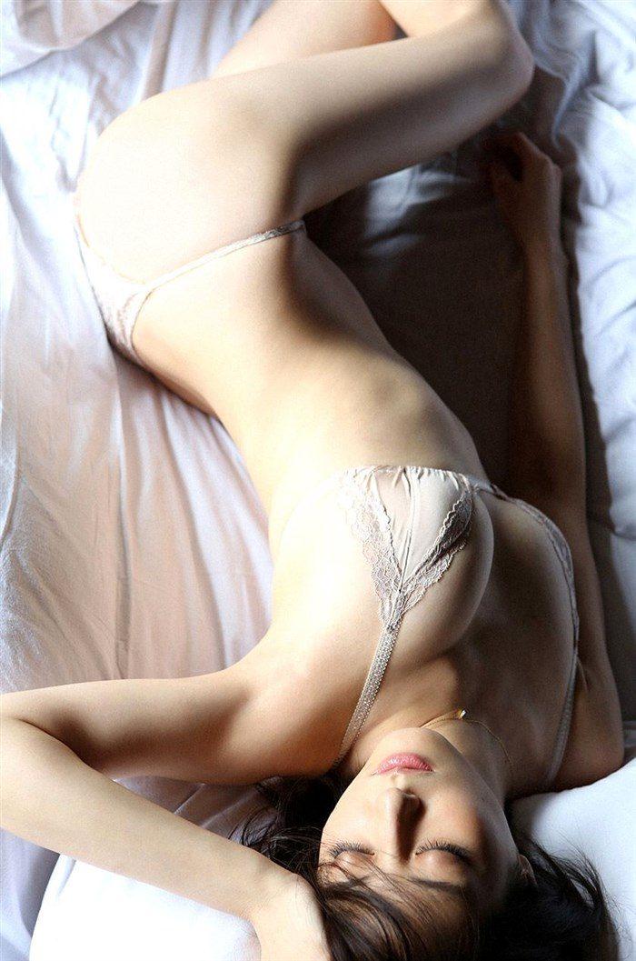 【画像】杉本有美の温泉旅館グラビア!悩殺下着姿や手ぶらヌードも!!0085mashu