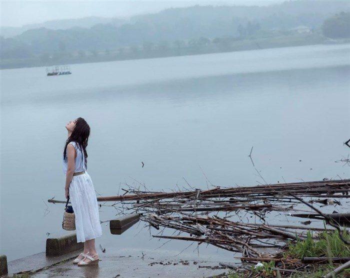 【画像】謎の聖女 璃子の超過激なヘアヌード!カメラマンはビラビラまで見えてるなw0030manshu