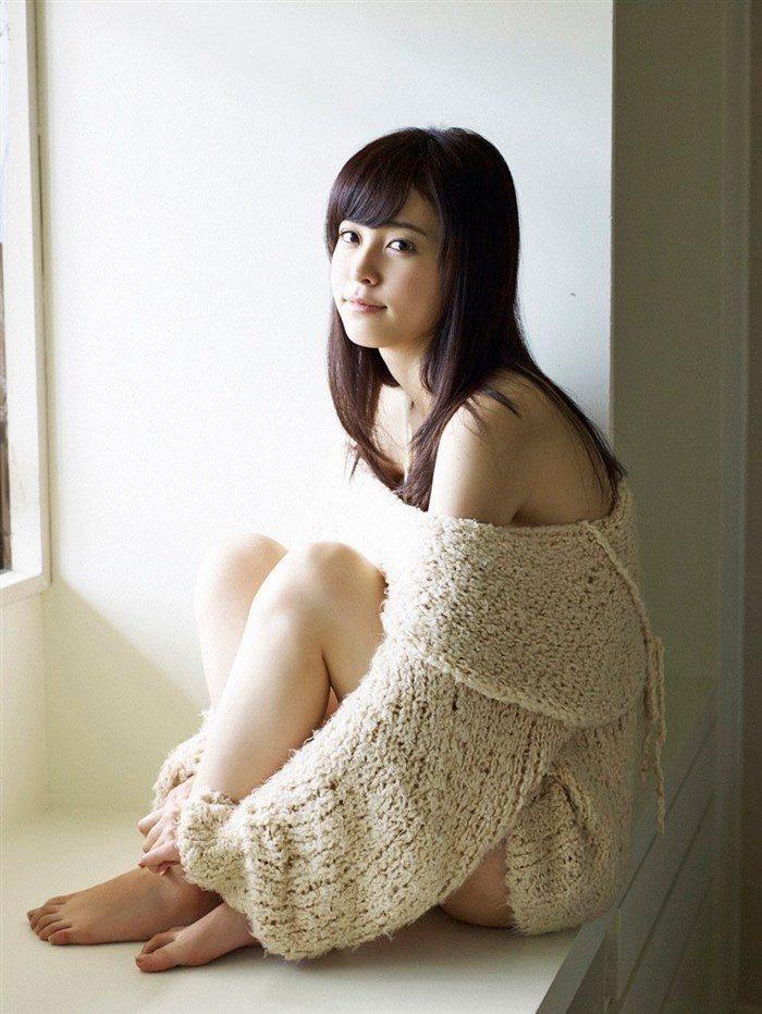 【画像】久慈暁子ちゃん、貧乳なのにグラビア撮影で極小水着を支給されるww0041manshu