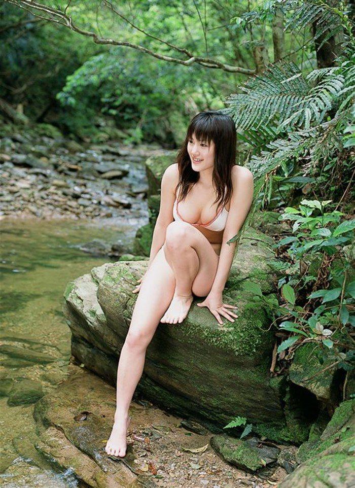 【画像】綾瀬はるかとかいう元グラドルのFカップ乳がさく裂する写真集まとめ!0116manshu