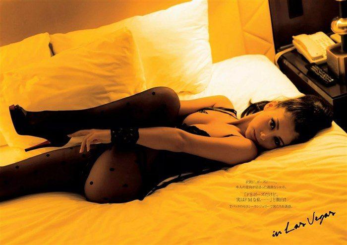 【画像】超セクシーなドSコスチューム付けたダレノガレ明美の綺麗な足で踏まれたい0009manshu
