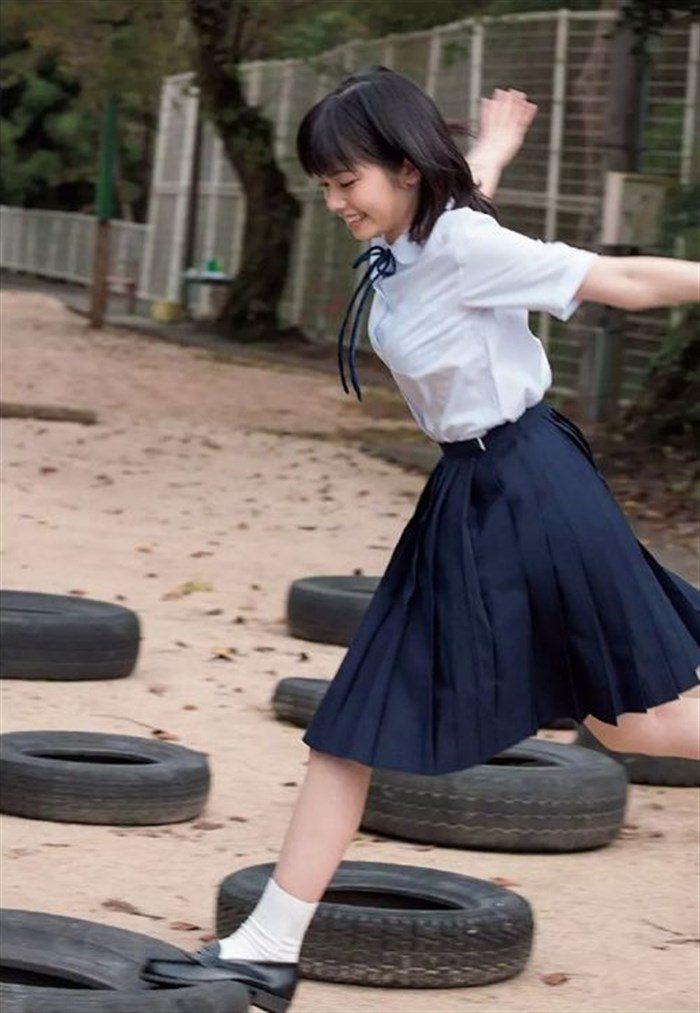 【画像】姉は武井咲!スケート女子小芝風花ちゃんの貴重な競泳水着グラビア!0003manshu