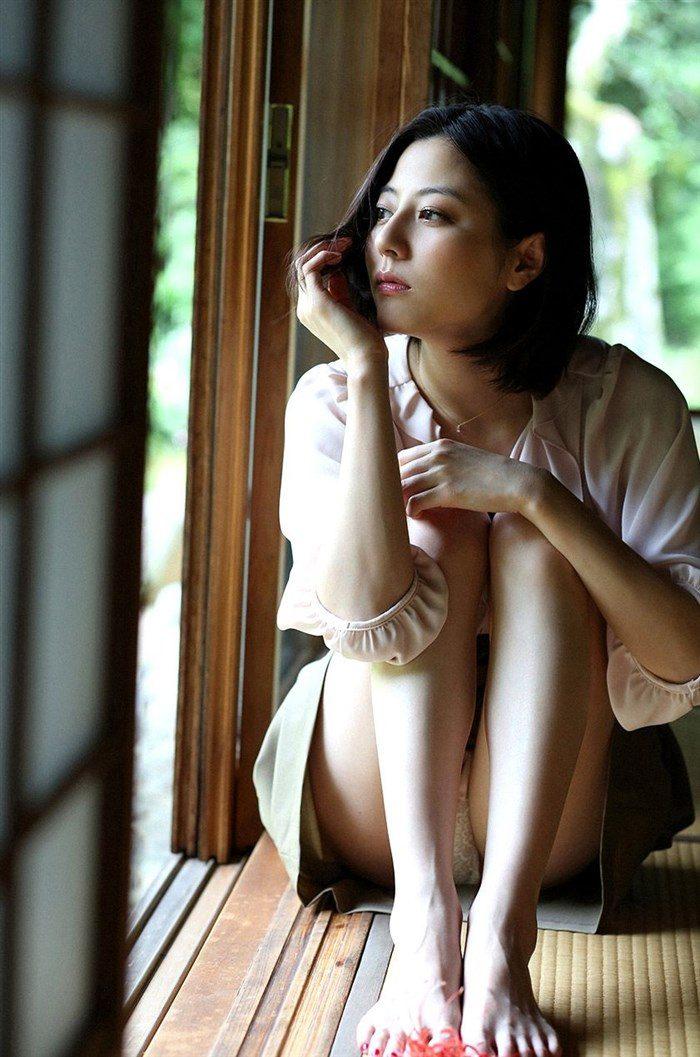 【画像】杉本有美の温泉旅館グラビア!悩殺下着姿や手ぶらヌードも!!0018mashu