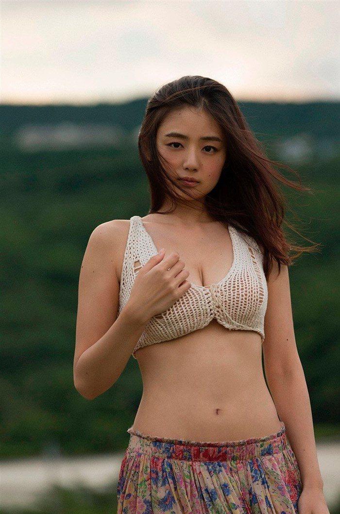 【画像】アイドル片山萌美ちゃんに支給される水着がガチでちいせえええええええ0011manshu