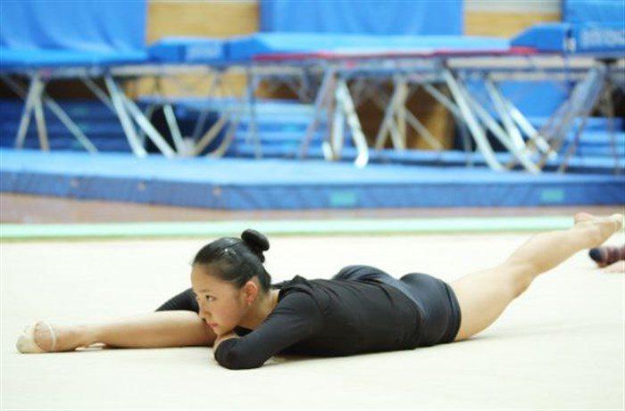 【画像】新体操畠山愛理さんのちっぱいと股間を堪能するスレwwwwww0008manshu