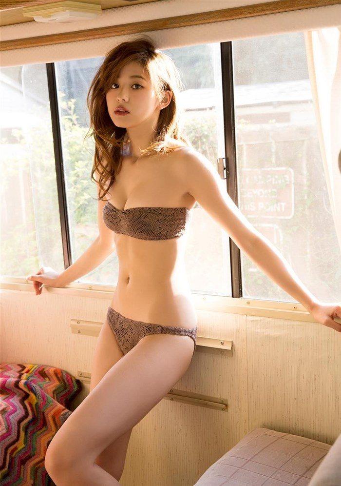 【画像】朝比奈彩とかいう美脚モデルの水着グラビアが股間を強襲!!0027manshu