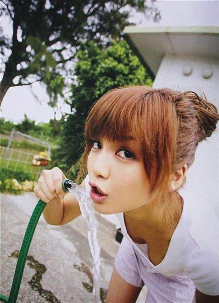 【画像】AAA宇野実彩子さん、乳首ポロリに気づかず熱唱!お宝画像スレ!0021manshu