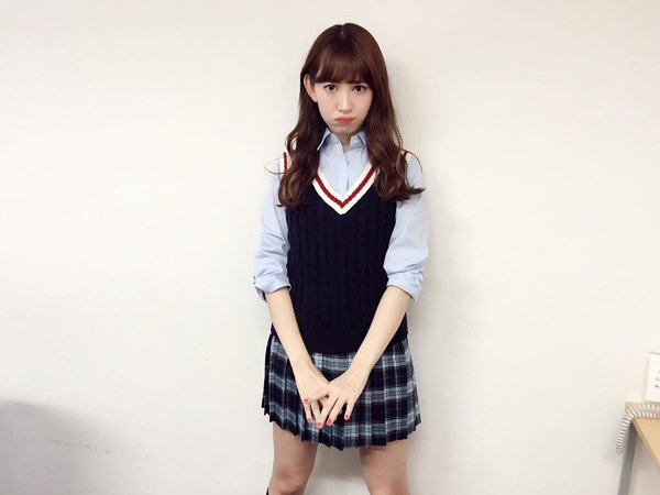 【H画像】AKB48小嶋陽菜さん、美乳オッパイ全開wwwwwエロ過ぎワロタwwwwwww