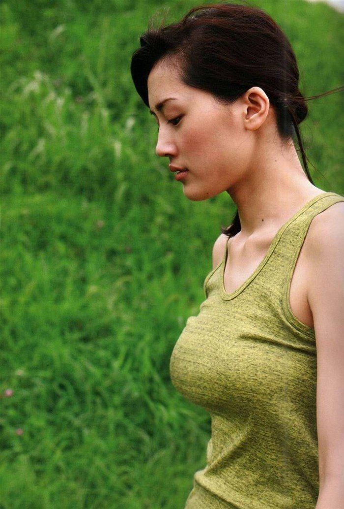 【画像】綾瀬はるかとかいう元グラドルのFカップ乳がさく裂する写真集まとめ!0239manshu