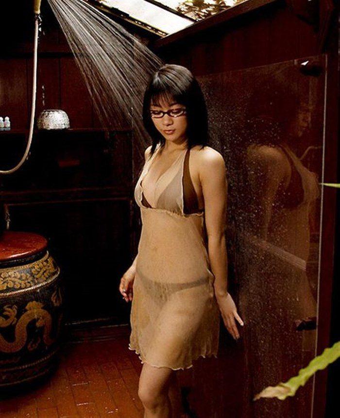 【画像】JK制服姿の時東ぁみ、スカートが短すぎて下尻が見えてますwwwww0038mashu