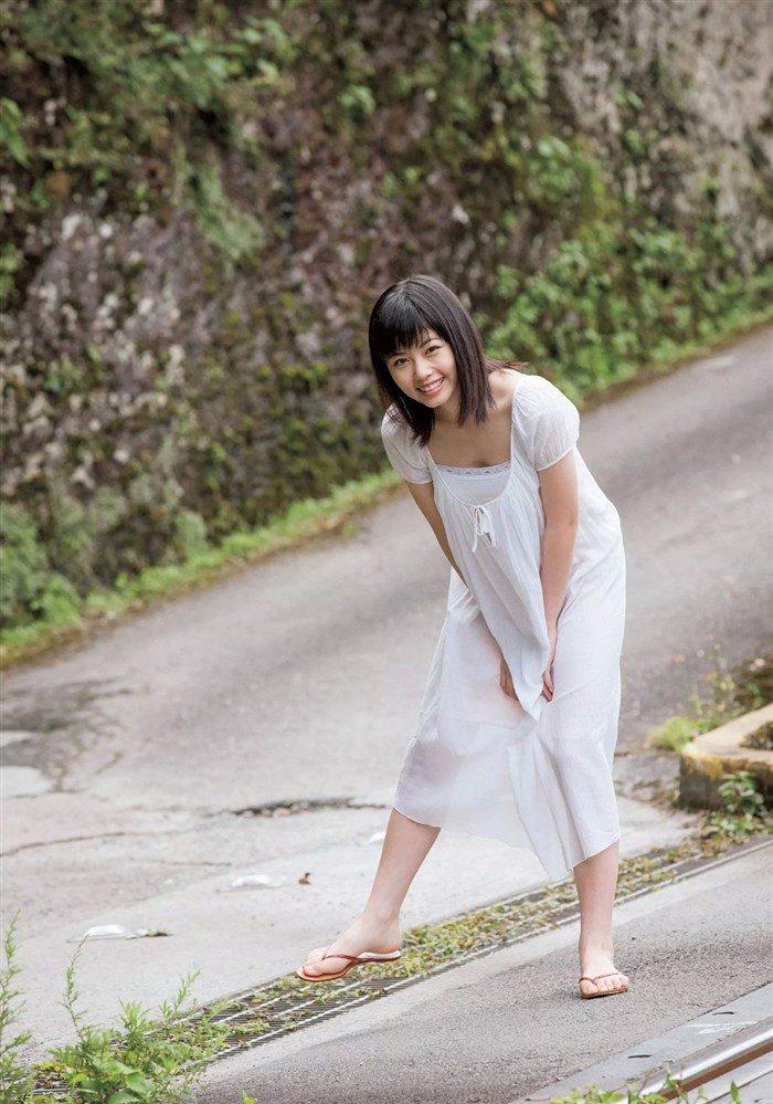 【画像】姉は武井咲!スケート女子小芝風花ちゃんの貴重な競泳水着グラビア!0001manshu