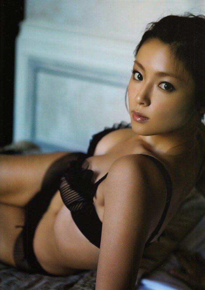 【画像】すっかりセクシー路線が定着した深田恭子さんのエロいヤツ下さい。0047mashu