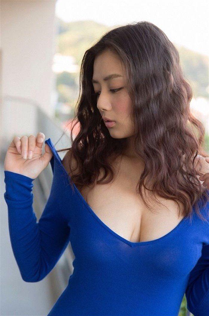【画像】アイドル片山萌美ちゃんに支給される水着がガチでちいせえええええええ0020manshu