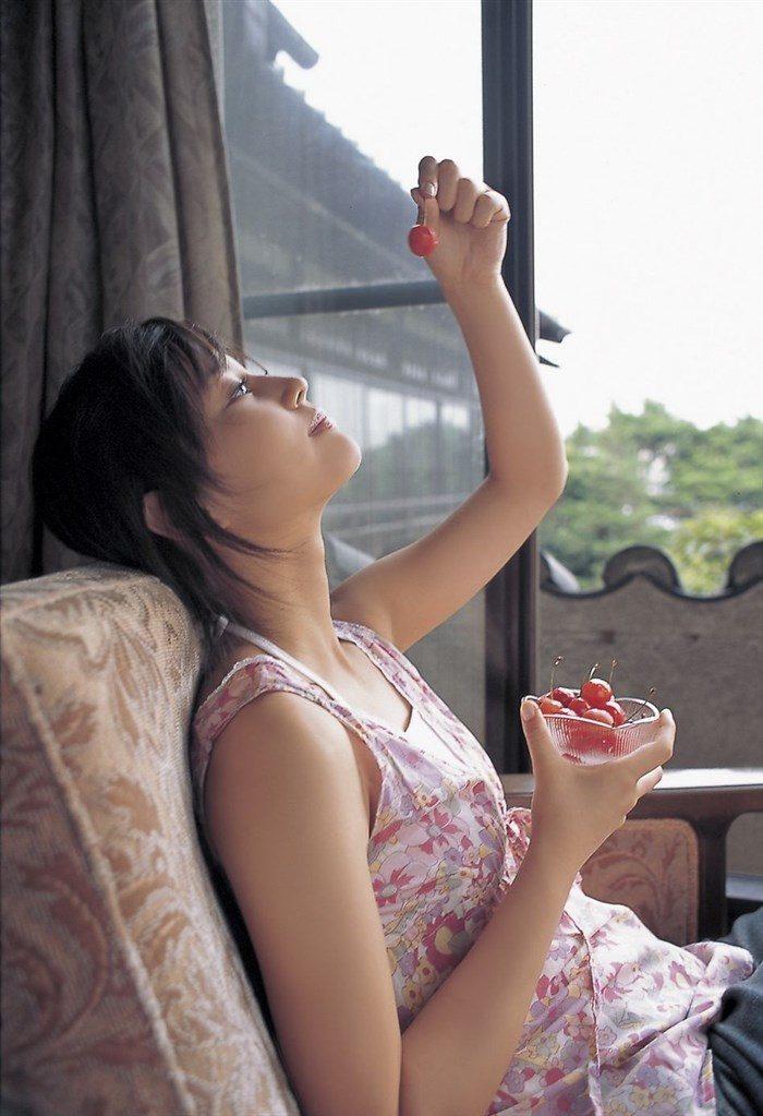 【画像】堀北真希ちゃんのセクシーなお宝グラビアを無料で堪能!これは即おっきですわwwww0079manshu