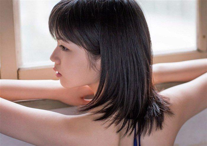 【画像】姉は武井咲!スケート女子小芝風花ちゃんの貴重な競泳水着グラビア!0015manshu