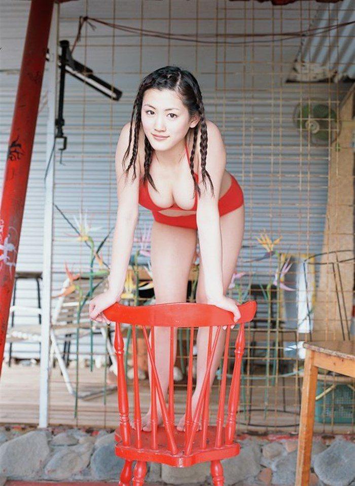 【画像】綾瀬はるかとかいう元グラドルのFカップ乳がさく裂する写真集まとめ!0055manshu