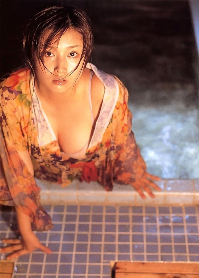 【画像】三津谷葉子 週刊ポストの写真集で生乳首を晒すwwwwww0066manshu