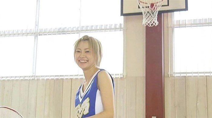 篠崎こころとかいう金髪ショート娘が極小水着着てファンの股間をロックオン!大量88枚0057manshu