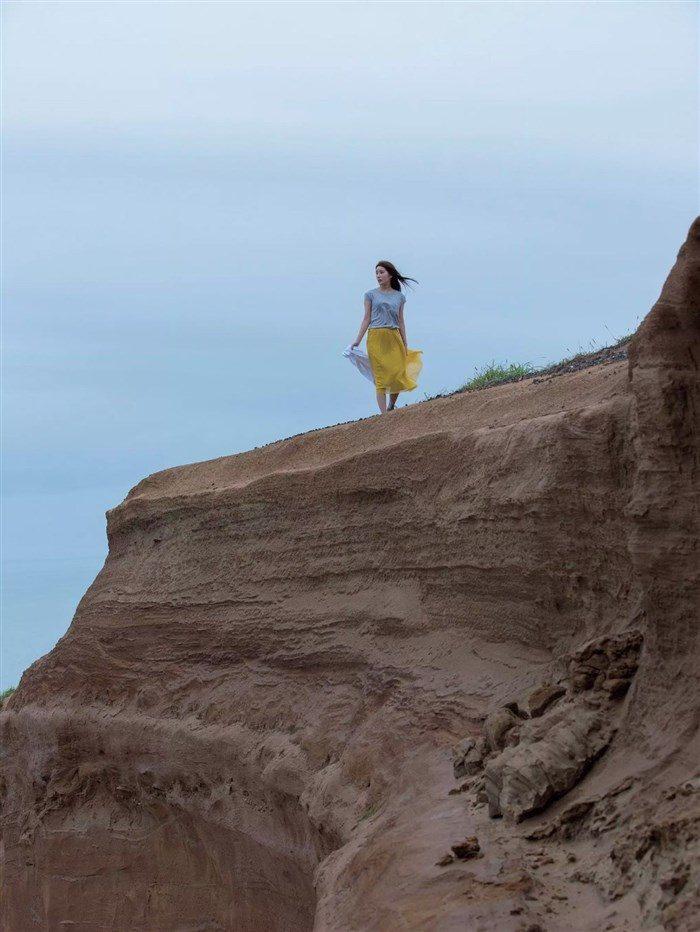 【画像】謎の聖女 璃子の超過激なヘアヌード!カメラマンはビラビラまで見えてるなw0032manshu