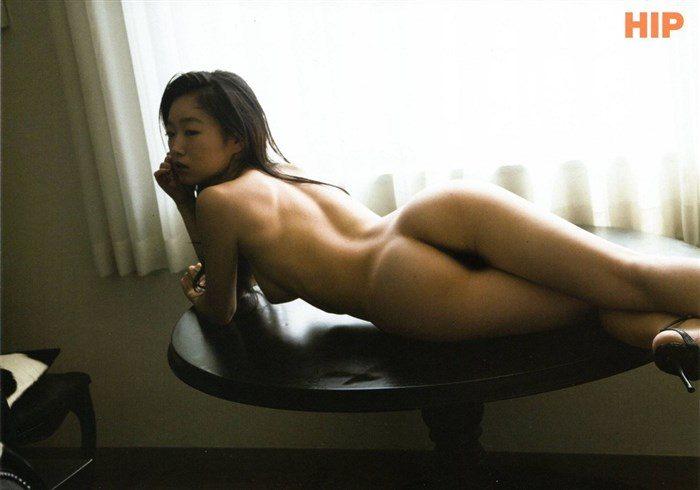 【画像】佐々木心音が袋とじの中でパイパン全裸ヌードを晒してるwwwwwww0018manshu