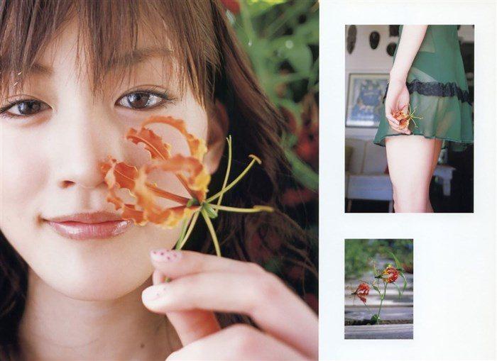 【画像】綾瀬はるかとかいう元グラドルのFカップ乳がさく裂する写真集まとめ!0176manshu