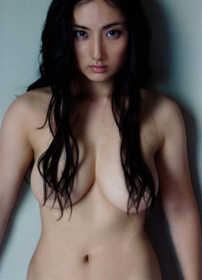 【画像】紗綾の寸止めチラリズム全裸ヌードがムチムチ過ぎてたまんねえええええええ0003manshu