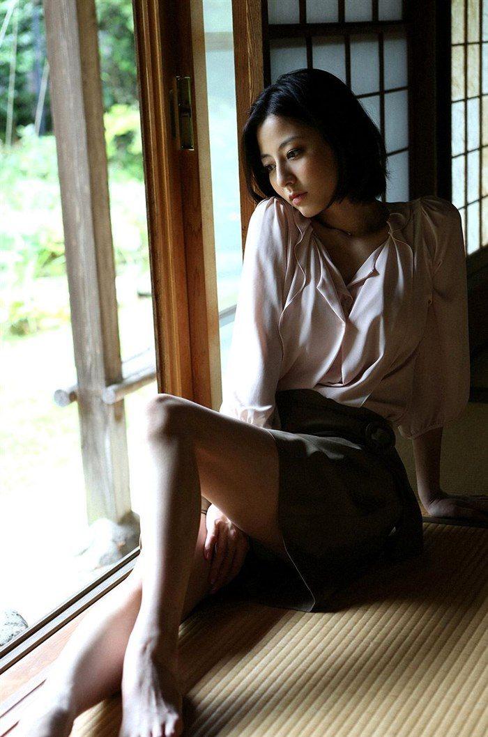 【画像】杉本有美の温泉旅館グラビア!悩殺下着姿や手ぶらヌードも!!0019mashu