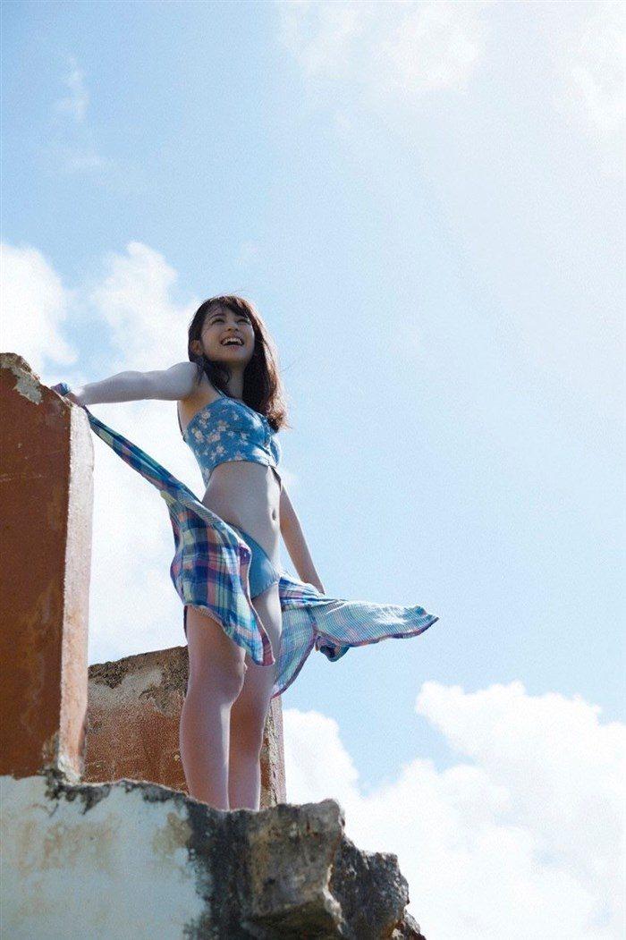 【画像】久慈暁子ちゃん、貧乳なのにグラビア撮影で極小水着を支給されるww0034manshu