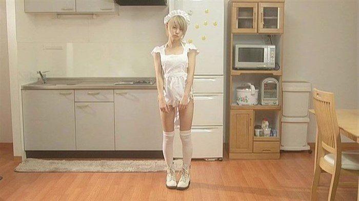 篠崎こころとかいう金髪ショート娘が極小水着着てファンの股間をロックオン!大量88枚0070manshu