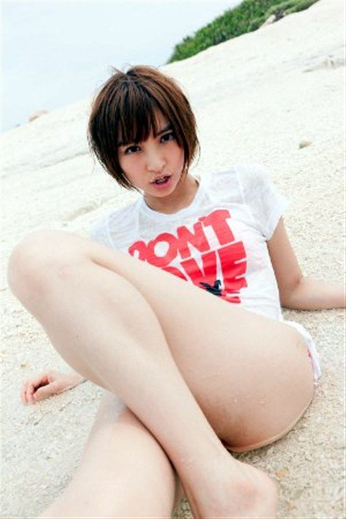 【画像】篠田麻里子さん 全盛期の水着グラビアがエロ過ぎたと話題に!完全にokazuグラビア0059manshu