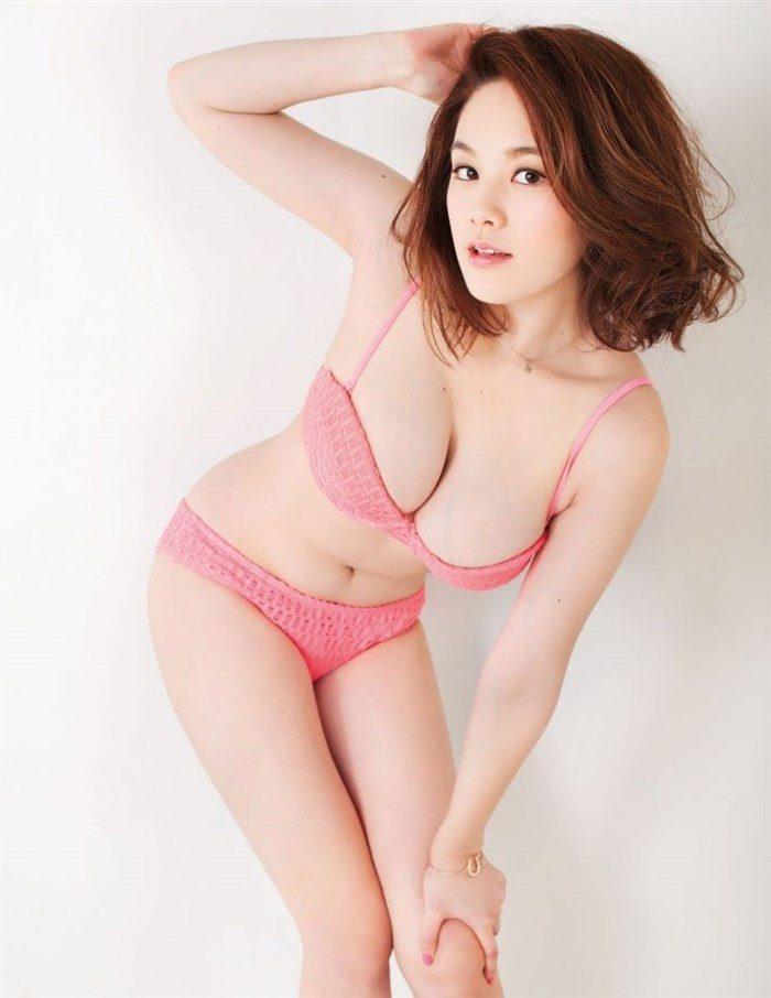 【高画質画像】筧美和子のおっぱいに挟まれてパイズリされる男がこの世に存在する事実!0095manshu