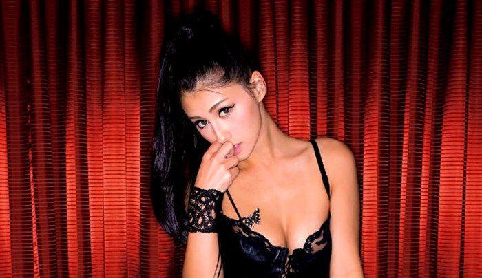 【画像】ダレノガレ明美の変態黒下着の悩殺カットに日本中の男性器が反応!0011manshu